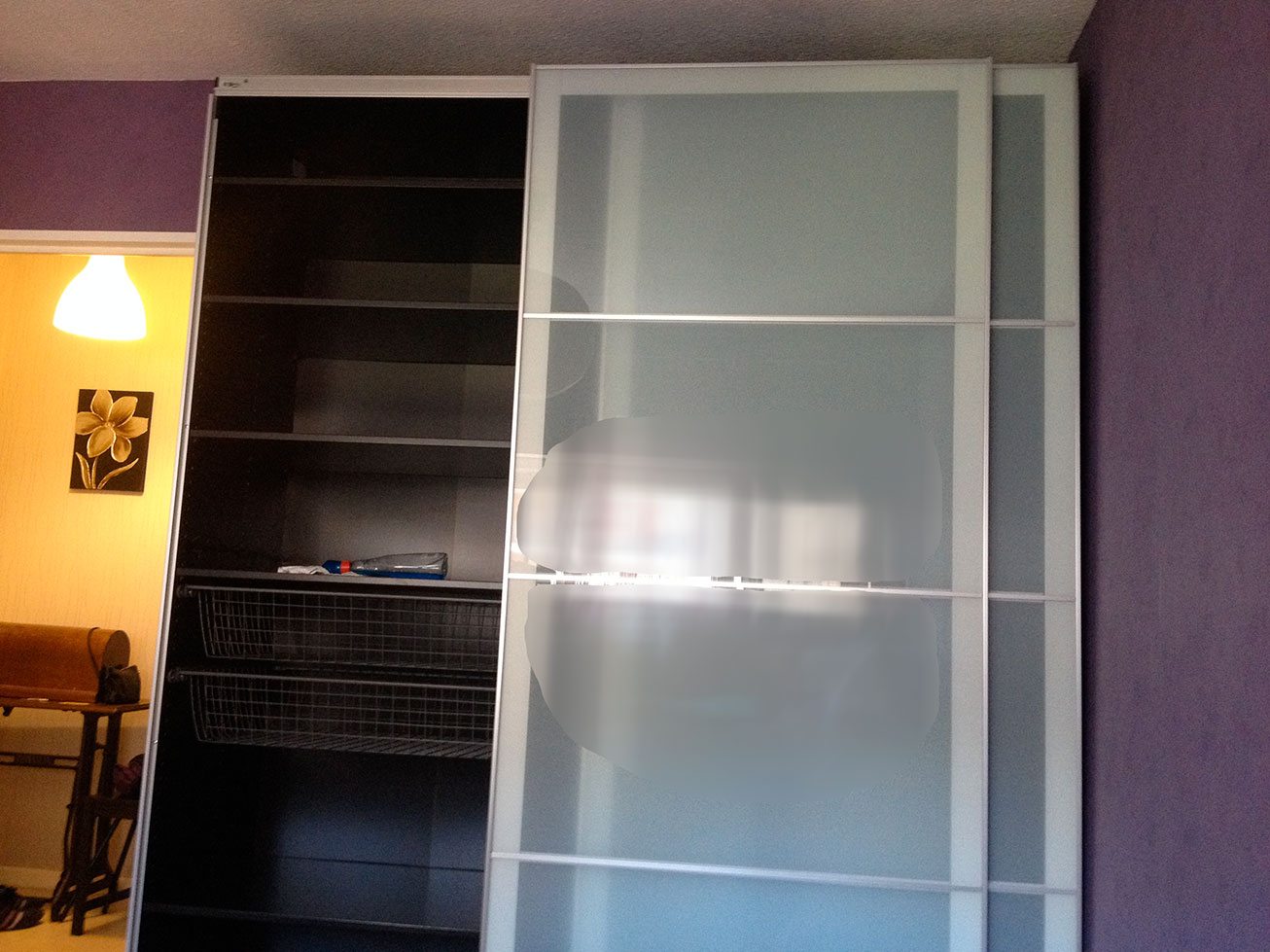 comment ne pas monter une armoire ikea. Black Bedroom Furniture Sets. Home Design Ideas